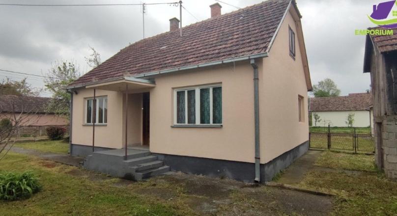 Donji Žabar! Kuća na parceli površine 7384m2.ID:1570/EN